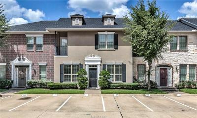 College Station Condo/Townhouse For Sale: 141 Forest Drive