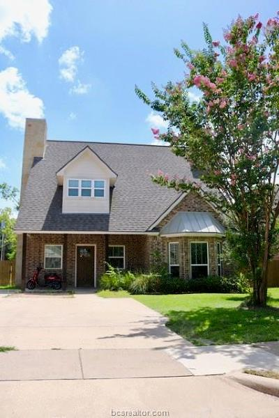 College Station Single Family Home For Sale: 906 Fairview Avenue
