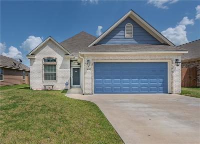 College Station Single Family Home For Sale: 4108 Whispering Creek Drive