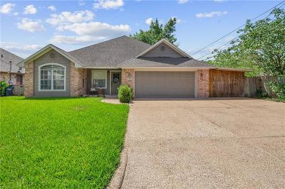 College Station Single Family Home For Sale: 546 Banks Street