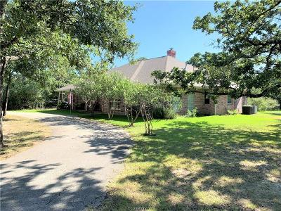 College Station Single Family Home For Sale: 1500 Foxfire Drive