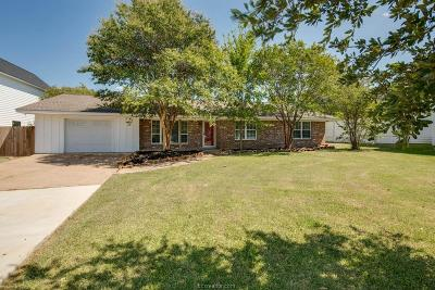 College Station Single Family Home For Sale: 702 Park Place