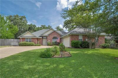 Bryan Single Family Home For Sale: 2303 Bastrop