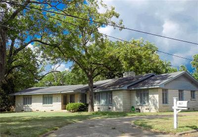 Navasota Single Family Home For Sale: 817 Church Street