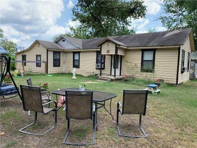 Brazos County Single Family Home For Sale: 210 Hilton Road