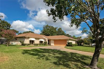 College Station Single Family Home For Sale: 2810 Adrienne Drive