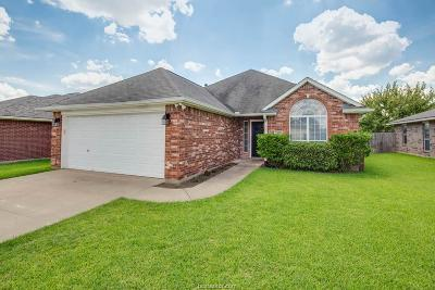 College Station Single Family Home For Sale: 2410 Antelope Lane