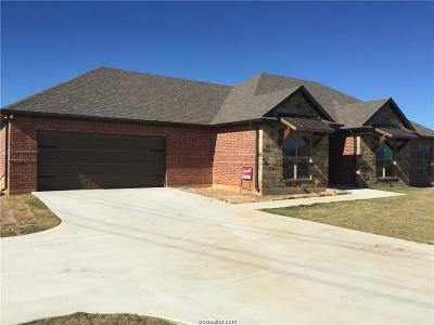 Robertson County Single Family Home For Sale: 175 Apache Drive