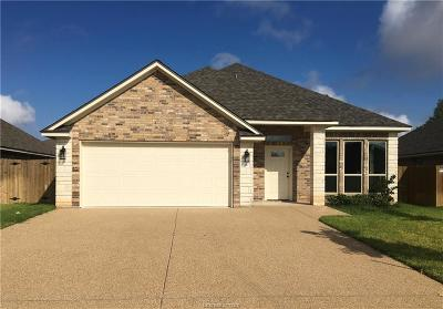 College Station Single Family Home For Sale: 1007 Dove Run