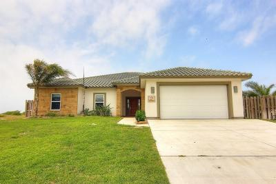Single Family Home For Sale: 311 Mustang Blvd