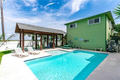 Port Aransas Single Family Home For Sale: 661 Pelican
