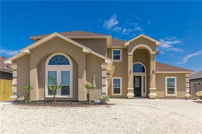 Single Family Home For Sale: 13958 Blackbeard Dr