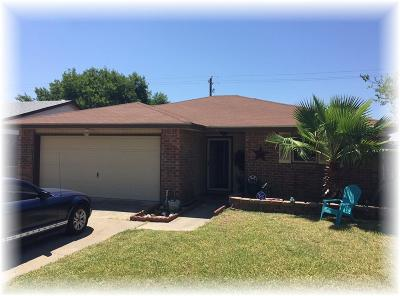 Corpus Christi TX Single Family Home For Sale: $155,000