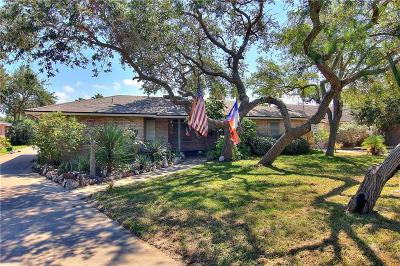 Single Family Home For Sale: 3407 Jamaica Dr