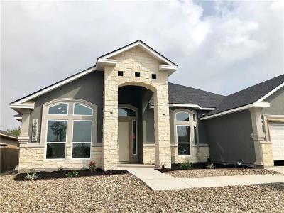 Single Family Home For Sale: 14002 Eaglesnest Bay Dr