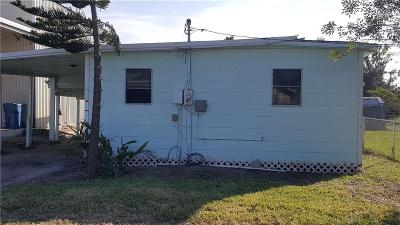 Port Aransas Single Family Home For Sale: 216 E Brundrett Ave