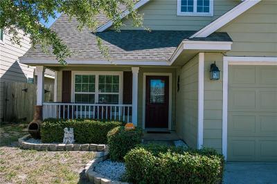 Single Family Home For Sale: 1521 Oak Harbor Dr