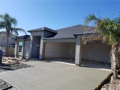 Single Family Home For Sale: 15833 Vincent Dr