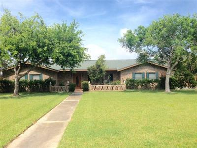 Aransas Pass Single Family Home For Sale: 1540 W Deberry