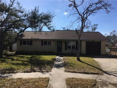 Aransas Pass Single Family Home For Sale: 117 Saunders