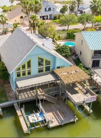 Single Family Home For Sale: 13746 Primavera Dr