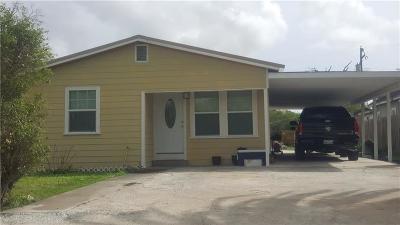Kingsville Single Family Home For Sale: 1125 E Nettie Ave