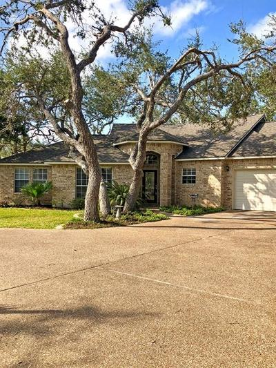 Rockport Single Family Home For Sale: 210 Doral Lane