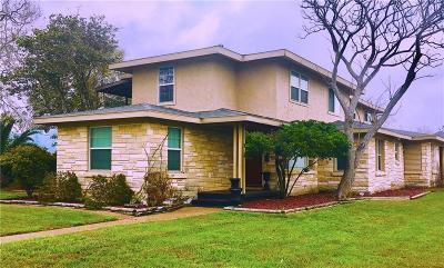 Single Family Home For Sale: 302 Cole St