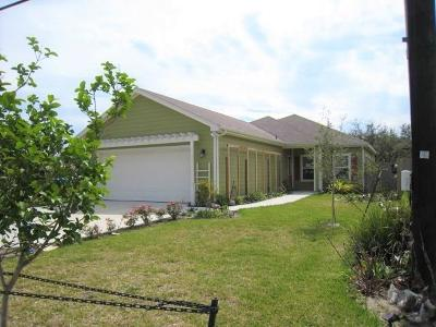 Aransas Pass Single Family Home For Sale: 615 W Deberry Ave