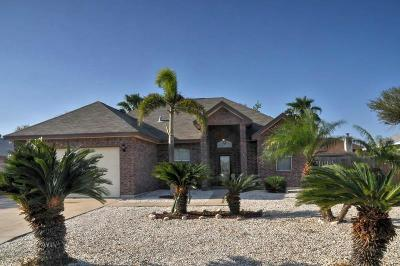 Single Family Home For Sale: 13926 Longboat Dr