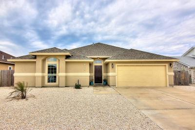 Single Family Home For Sale: 15437 Escapade St