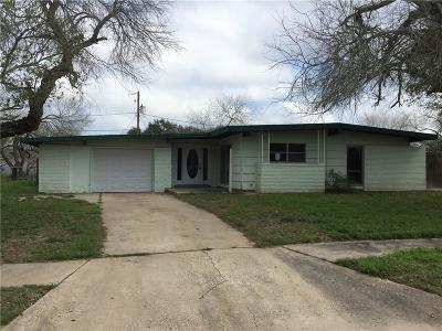 Kingsville Single Family Home For Sale: 718 Santa Clara Dr