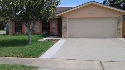 Single Family Home For Sale: 826 Mariana Dr