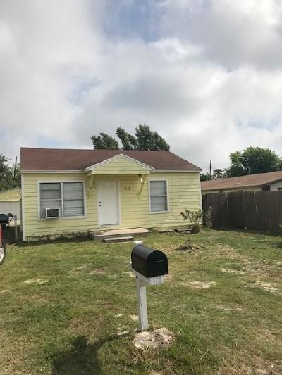 Single Family Home For Sale: 1518 Dewitt St