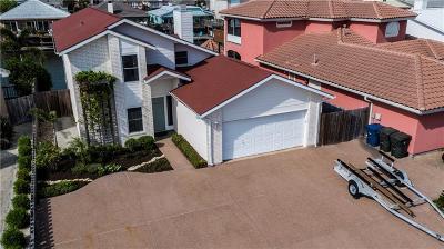 Single Family Home For Sale: 13910 Dasmarinas Dr