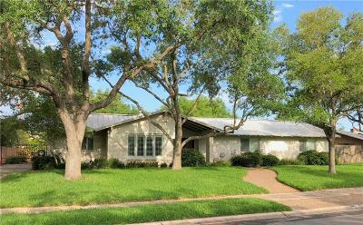 Single Family Home For Sale: 418 Cape Henry Dr