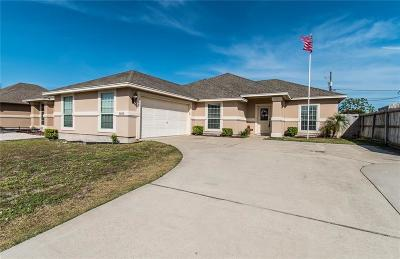Single Family Home For Sale: 3833 Holland Dr