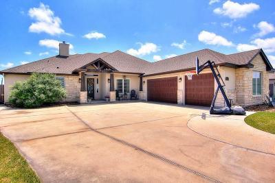 Single Family Home For Sale: 5830 Lago Vista Dr