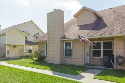 Corpus Christi Condo/Townhouse For Sale: 7202 The Mansions Dr #J4