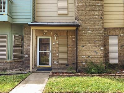 Condo/Townhouse For Sale: 2924 St Joseph #F