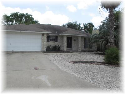 Single Family Home For Sale: 13921 Flintlock Dr