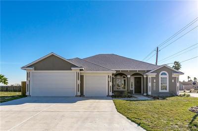 Corpus Christi Single Family Home For Sale: 15242 Barataria Dr