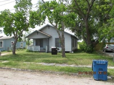 Single Family Home For Sale: 2737 Houston Ave