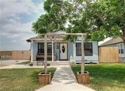 Robstown Single Family Home For Sale: 827 Benavides St