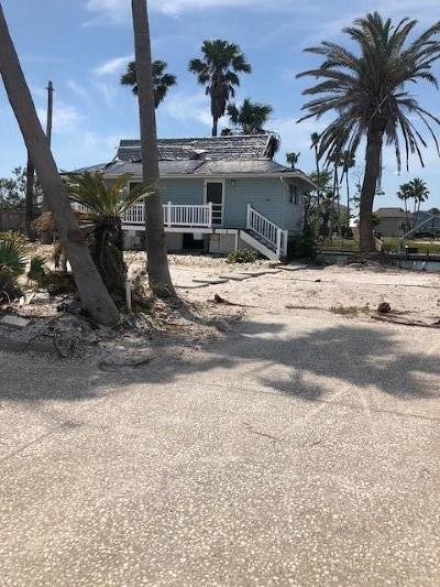 Rockport Single Family Home For Sale: 1877 Bay Shore Dr