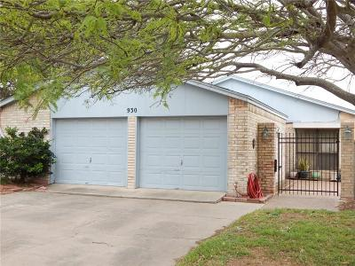 Single Family Home For Sale: 930 Oriole St