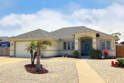 Single Family Home For Sale: 15417 Escapade St