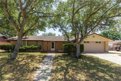 Single Family Home For Sale: 10637 Westwood Dr