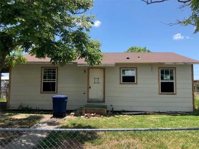 Corpus Christi Single Family Home For Sale: 5306 Alaniz Dr