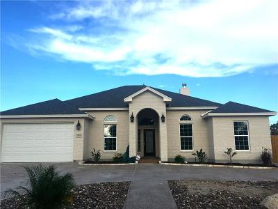 Single Family Home For Sale: 15401 Escapade